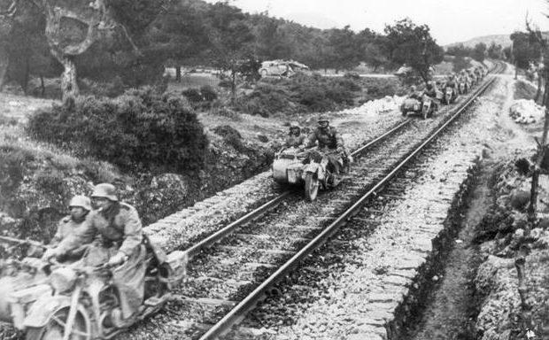Наступление во Франции. 1940 г. По рельсам, так по рельсам.