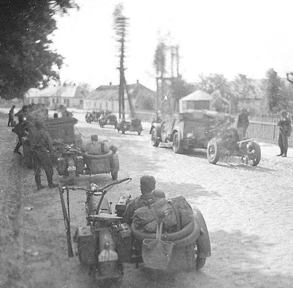 Немцы входят в город. 8 октября 1941 г.