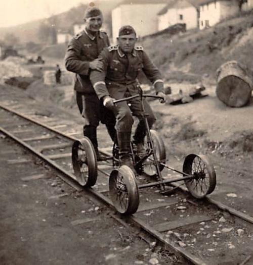 Курьеры в Польше. 1942 г.