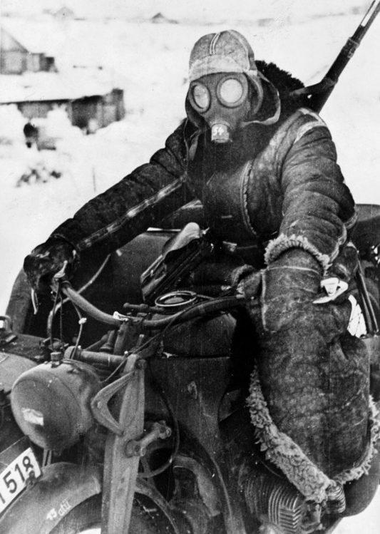 Вместо русской шапки. Подмосковье. 1941г.