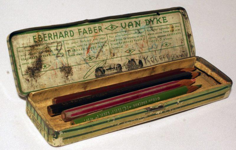 Немецкие карандаши – любимый трофей любого штабиста.