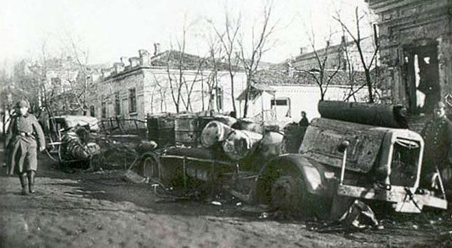 Угол Итальянской и Греческой улиц. 8 октября 1941 г.