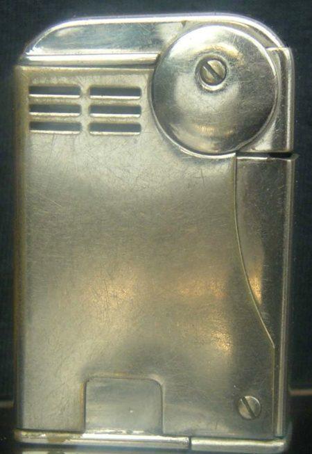 Зажигалка «Ready» австрийской фирмы TCW, выпускалась в 1930-х годах.