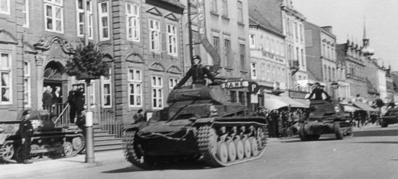 Немецкие танки в Хорсенсе. 9 апреля 1940 г.