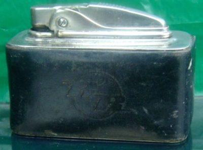 Зажигалка «EOS» австрийской фирмы TCW, выпускалась в 1930-х годах.