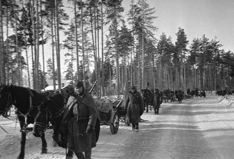 Конная артиллерия на марше в районе Выборга. Ноябрь 1939 г.