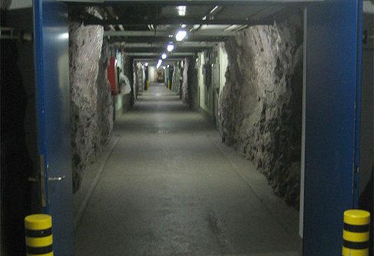 Вход и подземелье командного пункта.