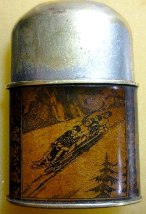 Зажигалка «Garant» австрийской фирмы TCW, выпускалась с 1930 г.