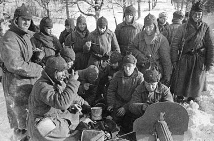 Красноармейцы на привале. Ноябрь 1939 г.