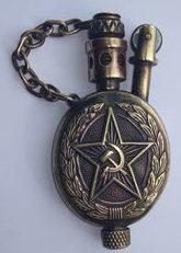 Зажигалка «Team» австрийской фирмы TCW, выпускалась в 1938 году для Красной Армии.