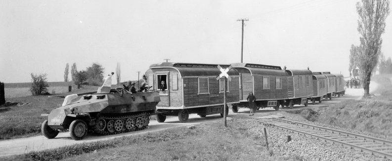 Передвижной немецкий бордель. Восточный фронт.1942 г. Все возим с собой.