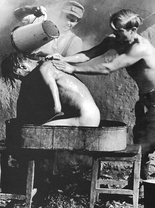 Банный день у немцев. Восточный фронт.1942 г.