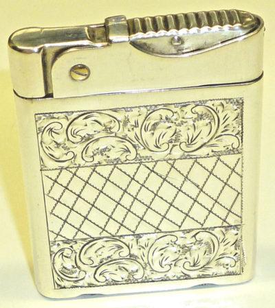 Зажигалки «Wifey» австрийской фирмы Charles Bernhardt, выпускались в 1930-х годах.