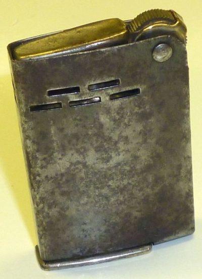 Зажигалка «Wunup» австрийской фирмы Charles Bernhardt, выпускалась с 1944 года.