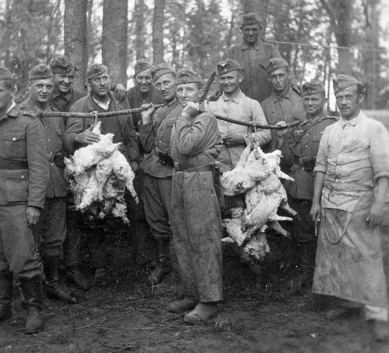 Возвращение с «охоты». Украина. 1943 г.