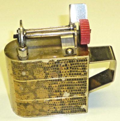 Зажигалки «Pino King» австрийской фирмы Richard kohn, выпускались в 1930-х годах.