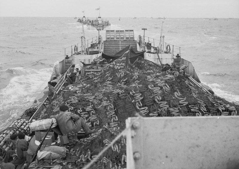 Переход крупных десантных кораблей в Нормандию. Утро 6 июня 1944 г.