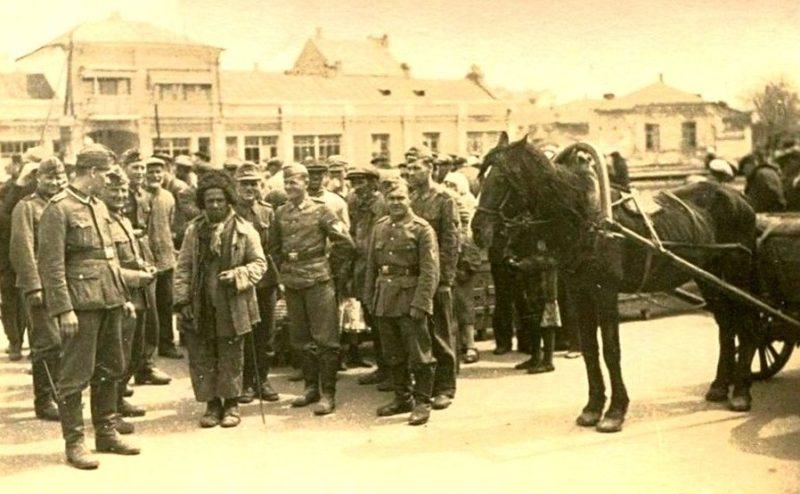 Рыночная площадь. Апрель 1942 г.
