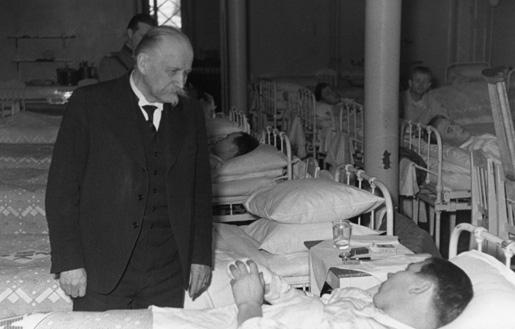Президент Финляндии Кёсти Каллио в госпитале на Рождество. Декабрь 1939 г.