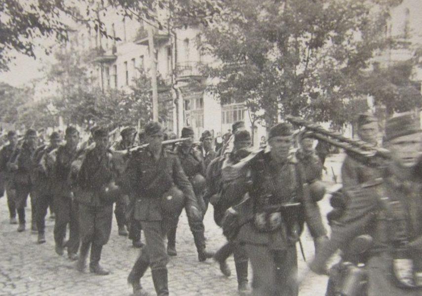 Немцы входят в Умань. 7 августа 1941 г.