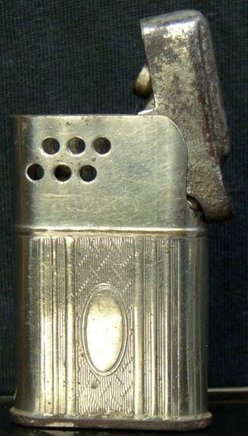 Зажигалки австрийской фирмы Turf, выпускались в 1930-х годах.
