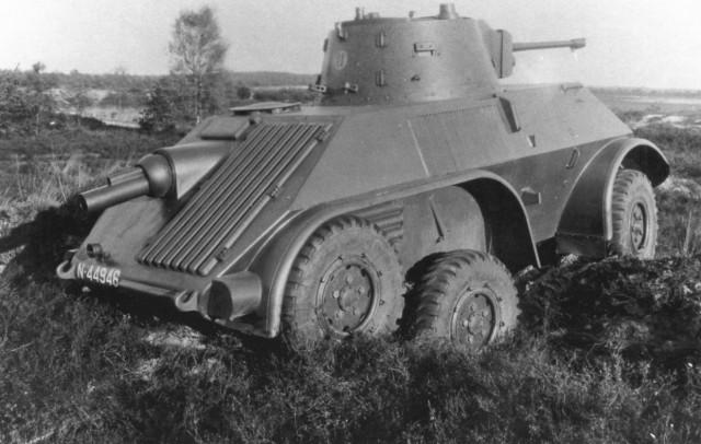 Трехосный бронеавтомобиль «Ван Доорне». 1939 г.