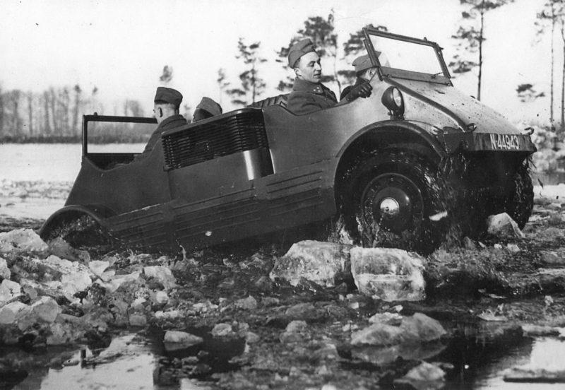 """""""Гений"""" инженерной мысли. Плавающий армейский автомобиль-вездеход «ДАФ MC-139». Нидерланды. 1939 г."""