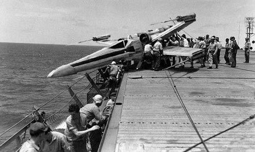 Вовремя остановился. Американский авианосец. 1942 г.