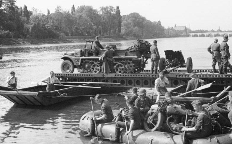 Переправа через Маас. 10 мая 1944 г.