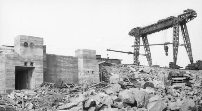 Строительство батареи. 1943 г.