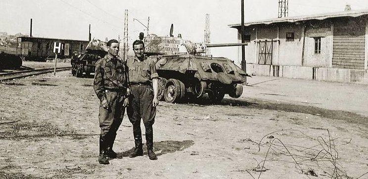 Итальянские солдаты в Днепропетровске. 1942-1943 гг.