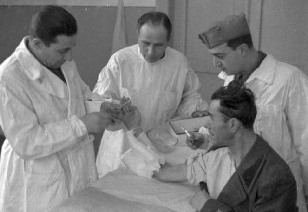 Итальянский госпиталь в Днепропетровске. 1942-1943 гг.