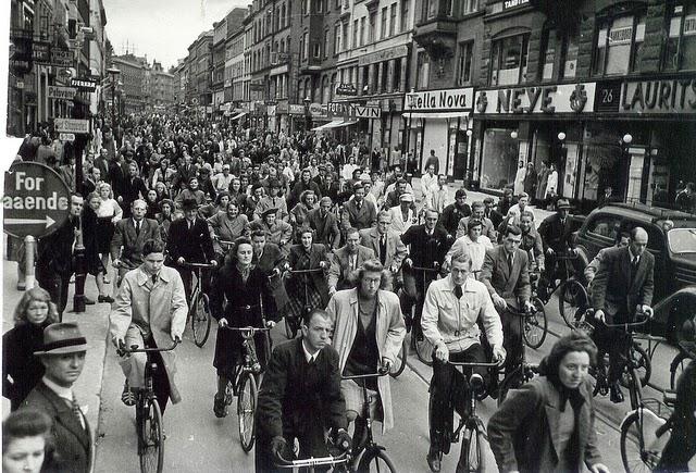 Улица в Копенгагене. 1943 г.