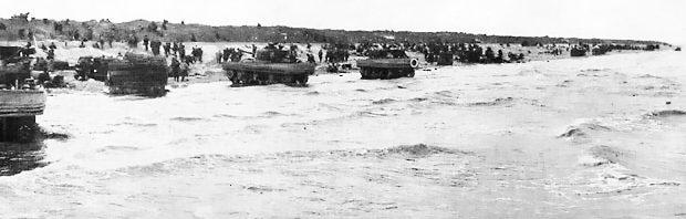Высадка десанта под прикрытием плавающих танков на пляж «Юта». 6 июня 1944 г.