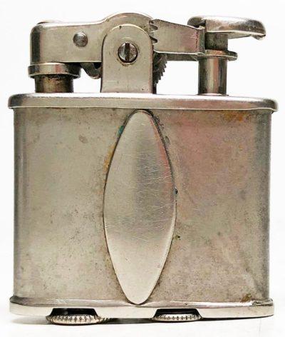 Зажигалка фирмы Ronson «De-Light». Выпускалась в 1928-1930 годах.