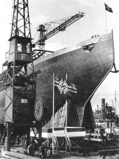 Спуск немецкого корабля, построенного на датской верфи. 1944 г.