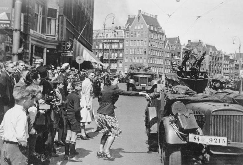 Немецкие войска в Амстердаме. Май 1940 г.