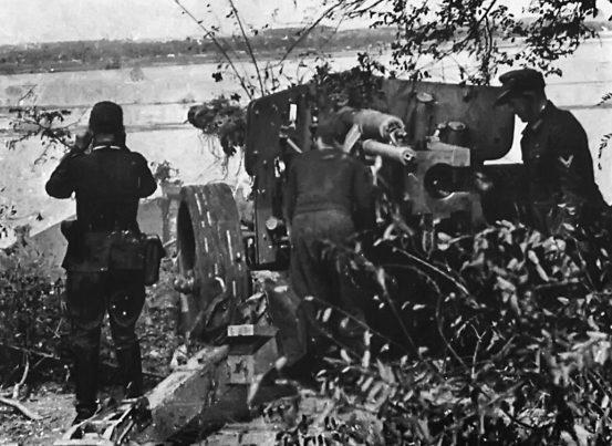 Немцы обороняются . 23 октября 1943 г.