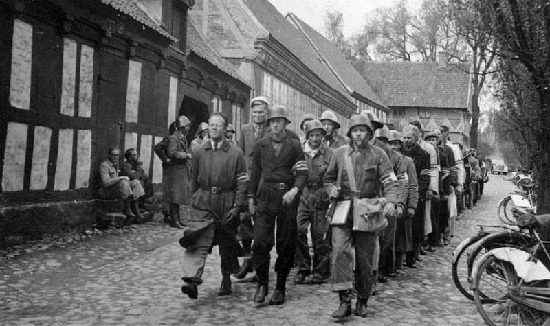 Группа Сопротивления в Старом Городском музее. 5 мая 1945 г.