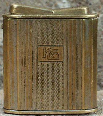 Зажигалки «Semi-automatic Lighter» немецкой фирмы A.P., выпускались с 1935 года.