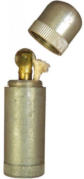 Штатные армейские зажигалки в алюминиевом корпусе.