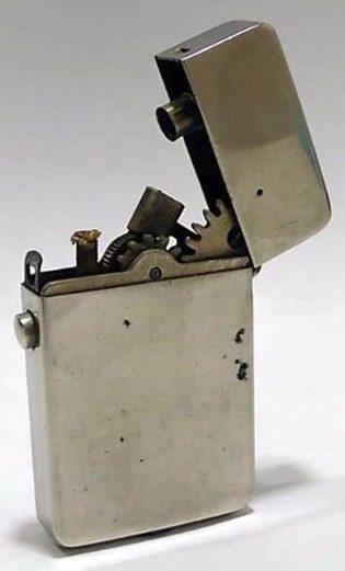 Зажигалки «Hahway» немецкой фирмы «HW», выпускались в 1930-х годах.