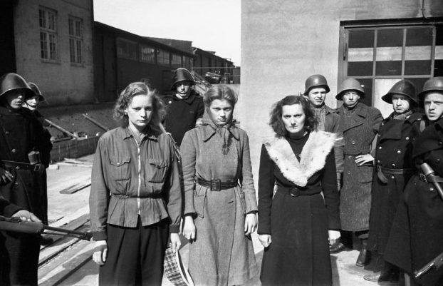 Задержанные Сопротивлением женщины, сожительствовавшие с немцами. Май 1945 г.