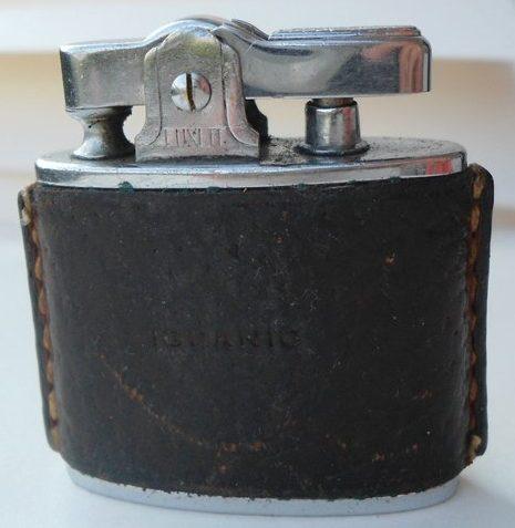 Зажигалка фирмы Ronson «LUXLIT» с корпусом обтянутым кожей. Модель 1939 года.