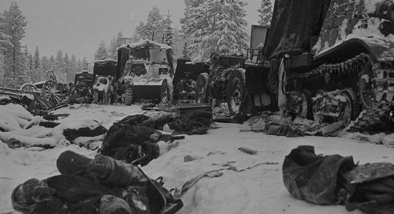 Остатки советской 44-й дивизии после разгрома в сражении на Раатской дороге. Январь 1940 г.