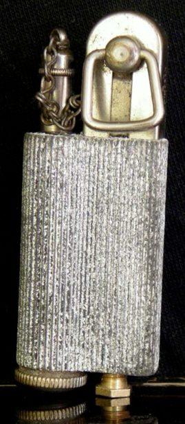 Зажигалка «obr.8» немецкой фирмы Kaschie, выпускалась в 1930-х годах.