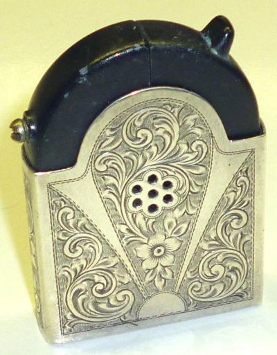 Зажигалка «К37» немецкой фирмы Kaschie, выпускалась с 1936 года.