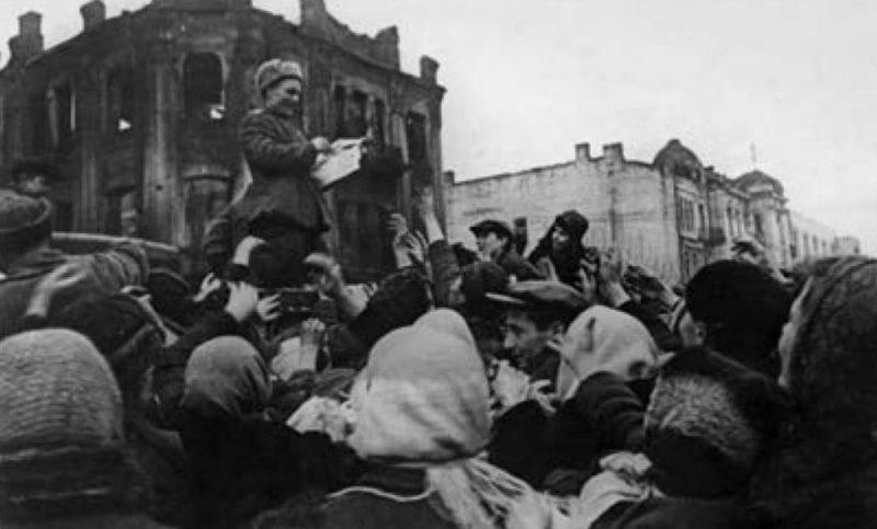 Выступление комиссара. 2 марта 1944 г.