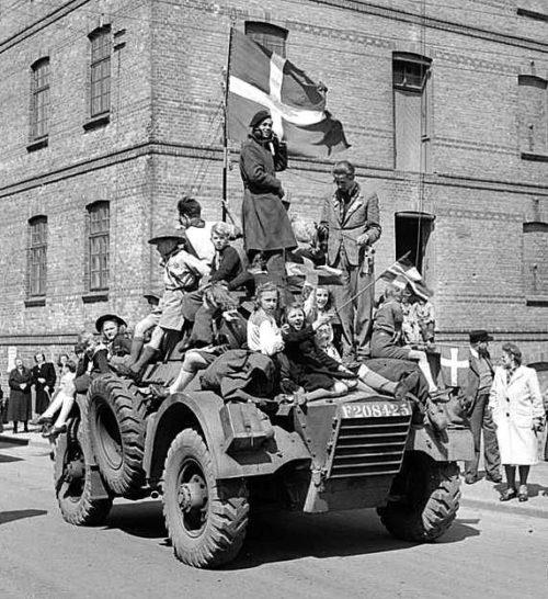 Празднование освобождения в Хадерслебене. Май 1945 г.