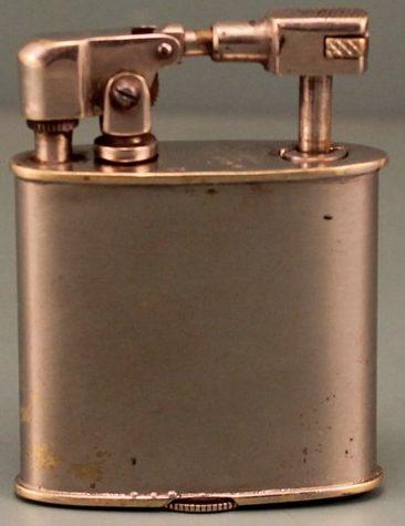 Зажигалка «Excelsior» немецкой фирмы Müller & Grünstein, выпускалась с 1928 года.